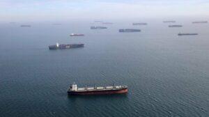 Maillot de bain 【Reuters】疫情影響船員人力調度 掀全球航運業危機