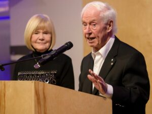Maillot de bain Slash Lees: Edmonton charity champion, Bob Westbury says farewell as he departs for Victoria to retire