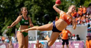 Bikini Les seaside handballeuses françaises ne veulent plus être obligées de jouer en bikini