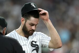 Maillot de bain 'He wasn't simply': Lucas Giolito gives up 3 home runs in 4 innings — his 2nd-shortest initiate of the yr — within the Chicago White Sox's 9-1 loss to the Kansas City Royals