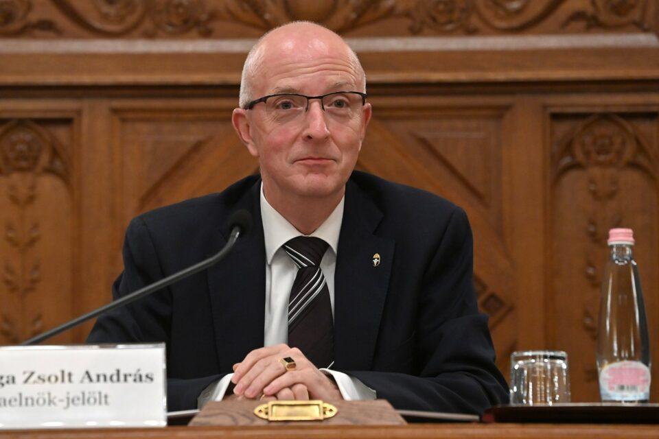 Maillot de bain A Kúria elnöke és elnökhelyettese népszavazási, választási és gyülekezési ügyekben is eljár bíróként