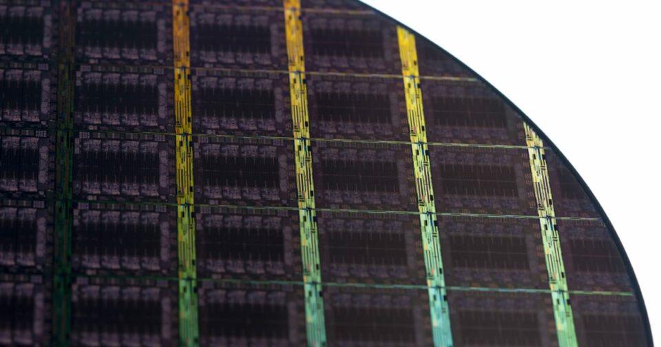 Maillot de bain IBM เปิดตัว Telum ชิปประมวลผลสำหรับ AI ตัวแรก ด้วยระบบ On-Chip Acceleration