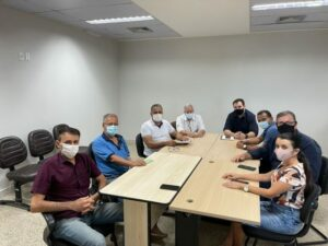 Maillot de bain Em reunião com lideranças comerciais, vereador Eudes Assis discute sobre a venda de lotes nos fundos das LO's