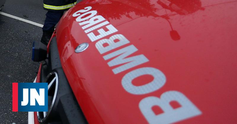 Maillot de bain Um ferido em colisão que envolveu ambulância em Famalicão