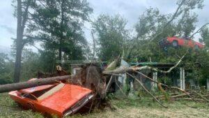 Maillot de bain John Schneider Studios Broken Throughout Typhoon Ida, He Asks for Abet