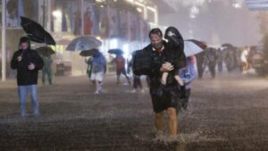 Maillot de bain Temporal provocado pelo Ida: 14 pessoas morrem em chuva histórica na região de NY. FOTOS