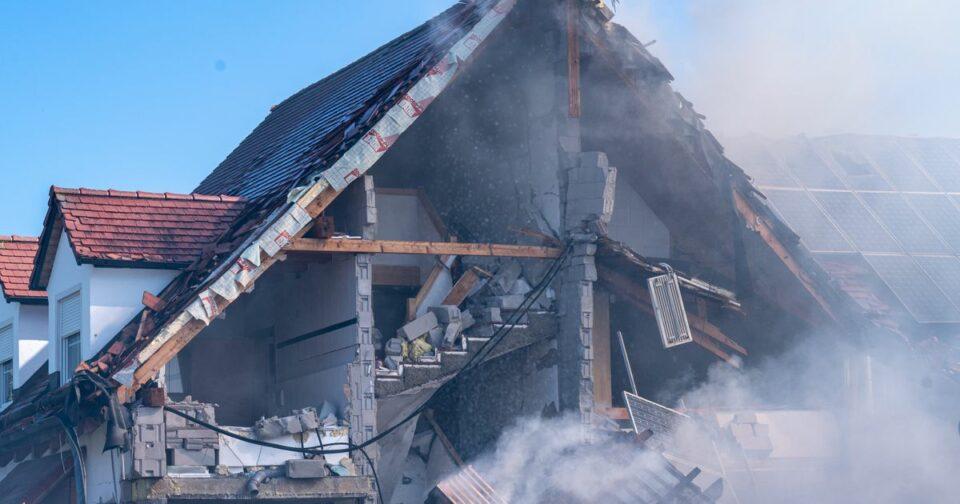Maillot de bain Wohnhaus-Explosion in Bayern: Verbindung nach Sachsen?
