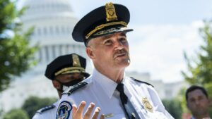Maillot de bain Capitol Police Chief to short congressional leaders on official-Jan. 6 rally
