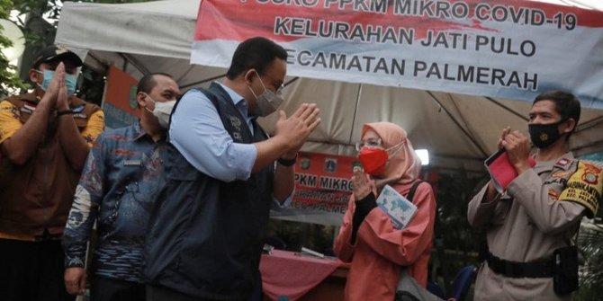 Maillot de bain Anies Baswedan: Ada Warga Jakarta Menunggu Vaksin Merek Tertentu