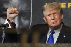 Maillot de bain Trump Is Doing His Comeback All Spoiled