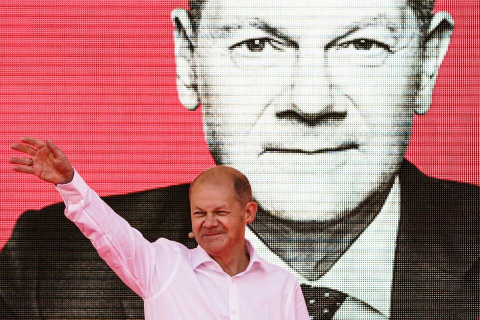 Maillot de bain Šolc pobednik i drugog TV sučeljavanja: Kandidat za nemačkog kancelara delovao suvereno, a i simpatičniji ispitanicima