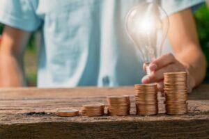Maillot de bain Se dau bani de la stat pentru gaz și curent: cum te ajută Guvernul să-ți plătești facturile, cu cât