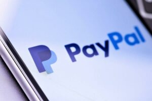Maillot de bain PayPal UK Steps into Bitcoin & Crypto Waters Too