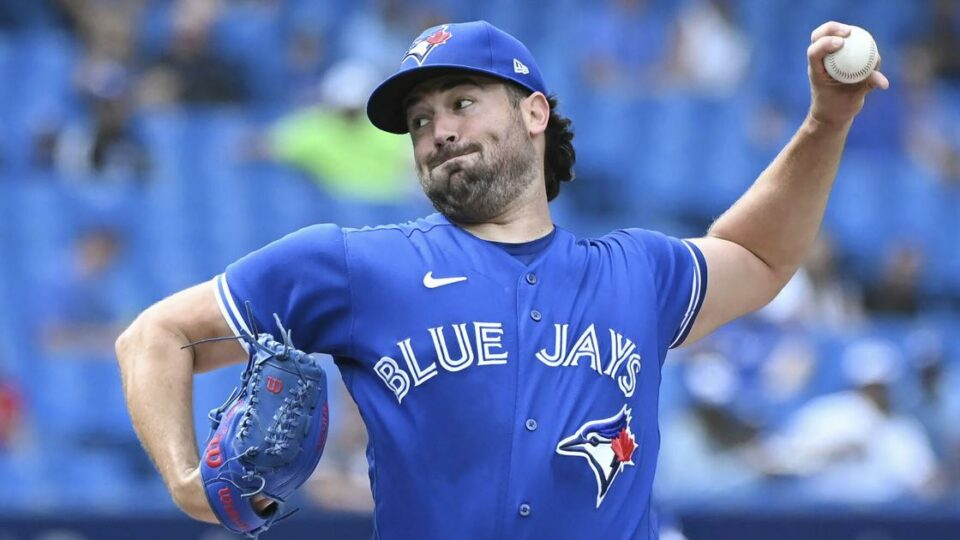 Maillot de bain LEADING OFF: MLB strikeout leader Ray vs Rays newcomer Baz