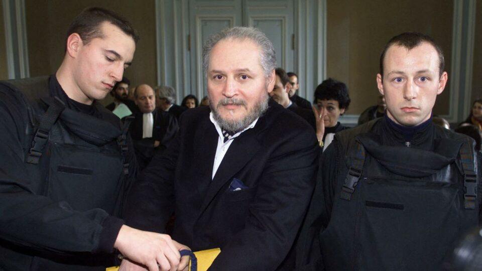 Maillot de bain Le terroriste Carlos de nouveau condamné à la perpétuité dans l'affaire du Drugstore Publicis