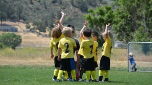 Maillot de bain Boys who desire part in sports actions in early childhood are less likely to abilities depressive signs
