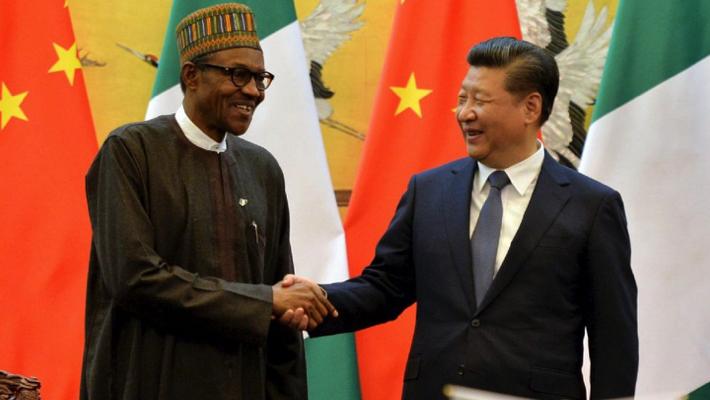 Maillot de bain Buhari commends China's 'sturdy management'