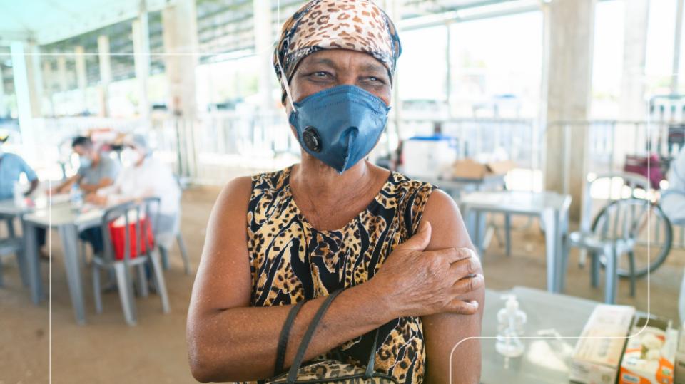 Maillot de bain Ministério da Saúde amplia dose de reforço para idosos acima de 60 anos e profissionais de saúde